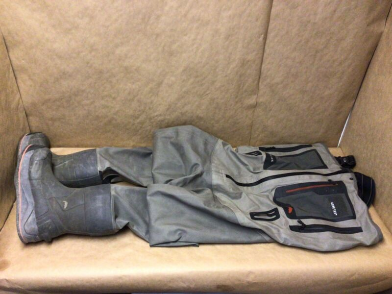 simms size 11 boot waders G4Z