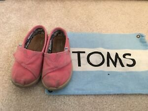 Super cute kids shoes size 6