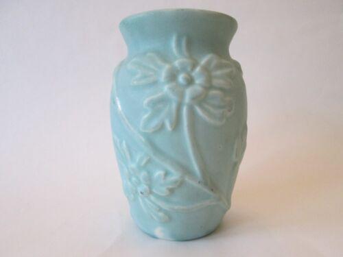 FLOWER VASE! Vintage AMERICAN ART pottery matte AQUA glaze FLORAL pattern LOVELY