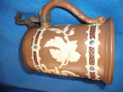 Beautiful Mettlach Lidded Beer Stein 1904  1/4 Liter