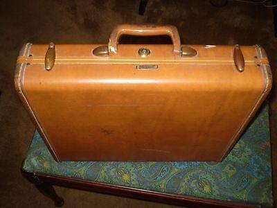 Samsonite Briefcase Vintage with Key 18