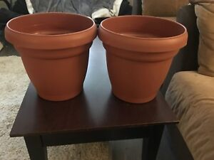 Extra large flower pots