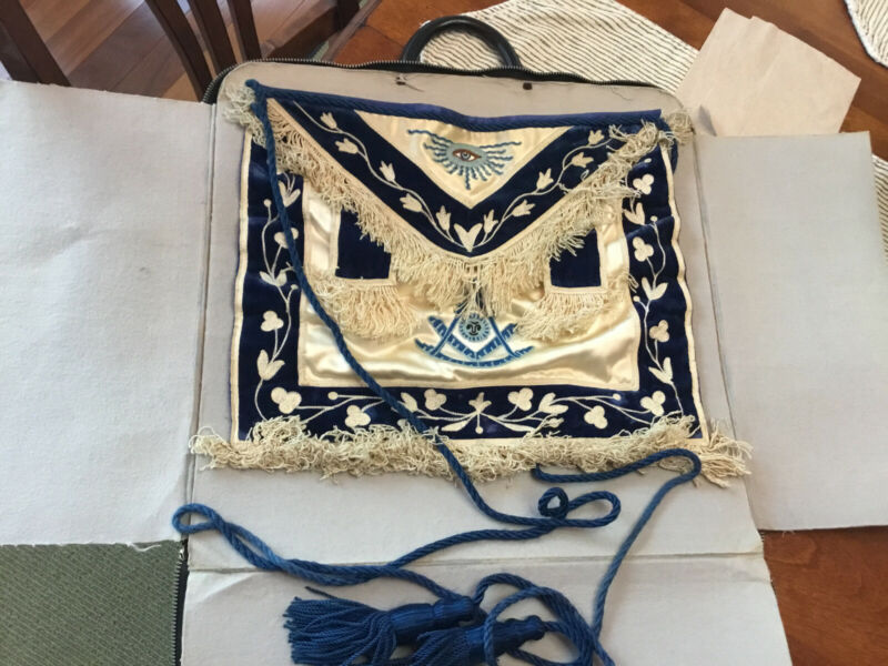 Antique SEEING EYE Past Master Masonic Apron w/ Blue Fringe + CASE a& GLOVES