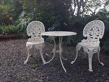 Vintage white iron 3 piece table and chair set. Beechmont Ipswich South Preview