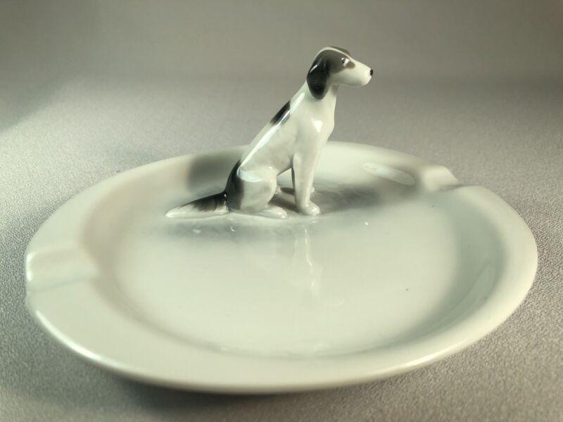 *SCARCE* METZLER & ORTLOFF (GERMANY) PORCELAIN ENGLISH SETTER DOG ON ASHTRAY