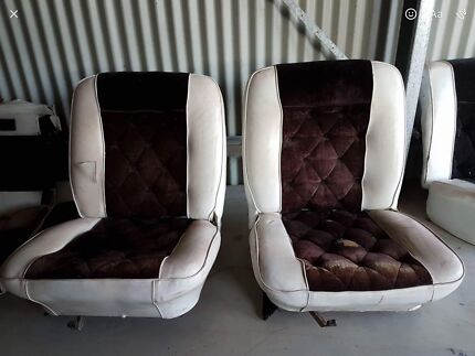 Xy Xw bucket seats and rails rear seat door cards arm rests