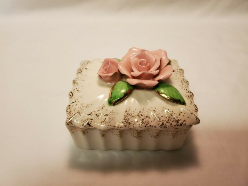 Vintage Porcelain Acme Ware White Trinket Box With Pink Roses Made In Japan