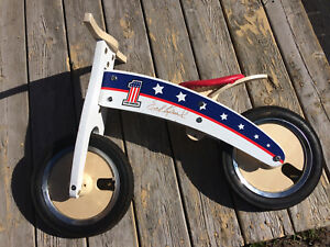 Kurve by Kidmoto, balance bike