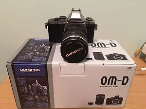 Olympus omd em5 12-50mm weather shield kit Middle Swan Swan Area Preview