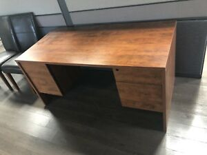 Great work desk for sale