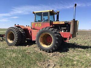 Versatile 875 4 WD Tractor
