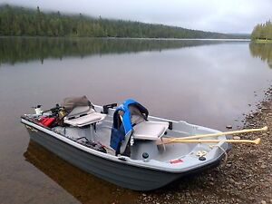10' jon boat with motor and accessories