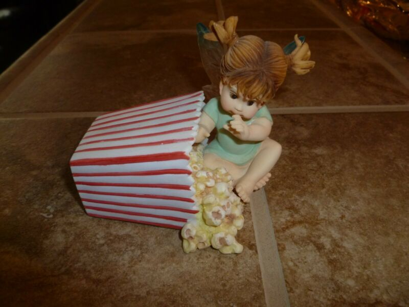 ENESCO Little Kitchen Fairie - SNEAKY LITTLE POPCORN FAIRIE