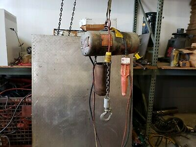 Cm Lodestar Model B Chain Hoist 14 Ton 10 Lift 16 Fpm 115v