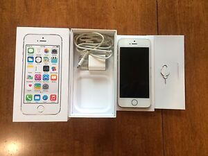 IPHONE 5S 16GB MINT CONDITION SILVER BELL
