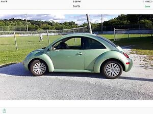 Volkwagon 2002 new beetle 2100.  Neg. Manuelle 5 vit.Full load