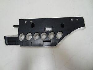 VW-PHAETON-3d-cubierta-TAPA-SALPICADERO-Reposapies-INFERIOR-DERECHO-3d1819592