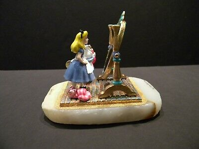 RON LEE - DISNEY'S A.I.W - ALICE IN THE MIRROR WITH WHITE RABBIT SCULPTURE  L/ED