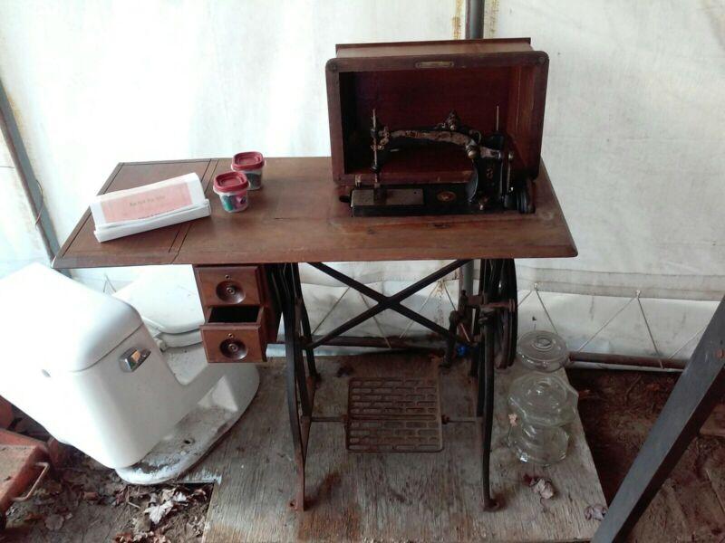 Wheeler & Wilson New Family Sewing Machine No. 8