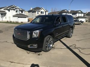 GMC Yukon Denali XL - Dual Rear DVD, Ext'd Warranty, 9700 kms