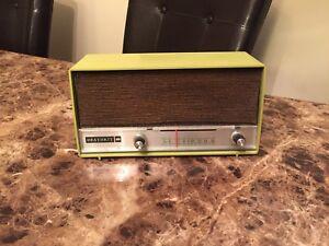 Vintage Heathkit AM Radio