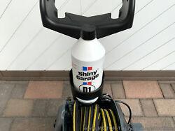 Shiny Garageflasche passt auch perfekt rein