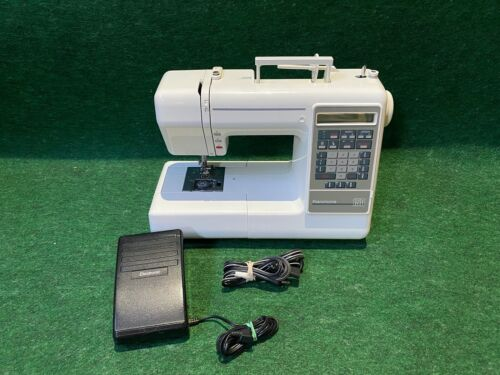 Kenmore 150 Sewing Machine 383.19150090, Foot Controller and Some Feet