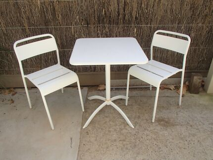 Table and 2 chairs outdoor setting. outdoor table in Geelong Region  VIC   Home   Garden   Gumtree