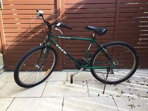 Men Mountain Bike  (TREK 800)  Good Condition
