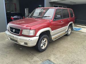 WRECKING 1998 HOLDEN JACKAROO MANY PARTS AVAILABLE CHEAP!! Craigieburn Hume Area Preview