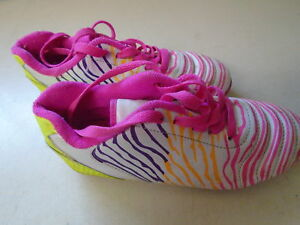 Girl's size 13 Soccer Shoes   for sale