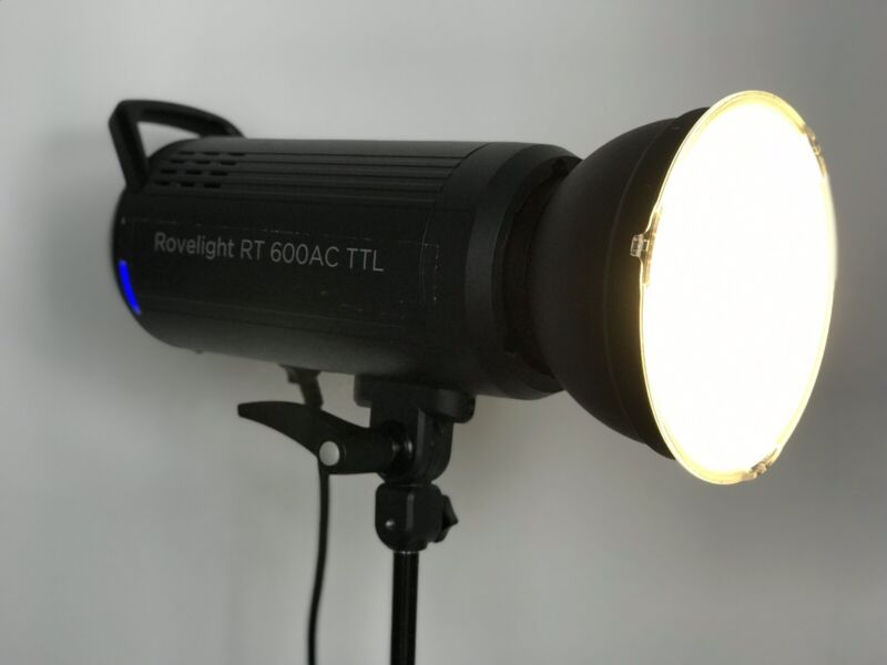 Orlit 600WS AC TTL HHS Monolight - Excellent