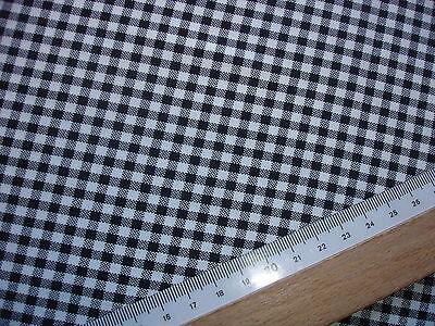 1 Lfm Kleiderstoff 2,93€/m²  schwarz, weiß kariert  145cm breit  KA8