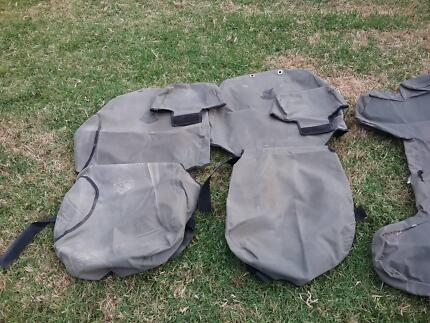 Black Duck Seat Covers 2003 Toyota Hilux Ex Condition
