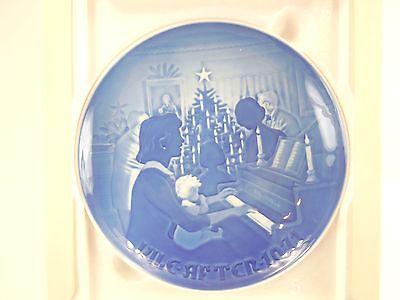 """1971 Bing & Grondahl Porcelain Christmas Plate """" Christmas at Home"""""""