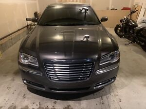 Chrysler 300 touring  52000 kms only