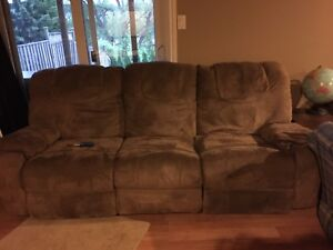 Very nice recliner couch