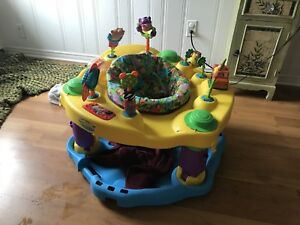 Exersaucer  / child's activity table / Baby by Evenflo