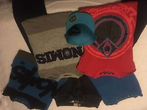NOMIS clothing lot