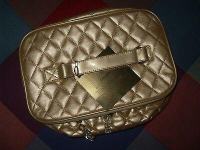 neceser Elisabeth Arden bolso de viaje maquillaje para lo que se necesite...