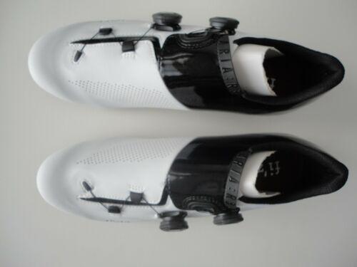 Fizik R3 Aria Road Cycling Shoes - White / Black - 11 US / EU 44 1/2  Brand New