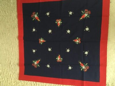 VINTAGE CHRISTMAS EMBROIDERED LINEN SQUARE TABLE CLOTH