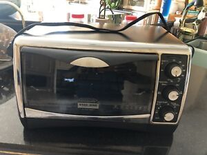 Black and Decker Convection Bake Toaster Oven