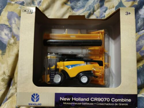 1/64 Ertl  New Holland CR9070 Combine With Two Header's New In Box