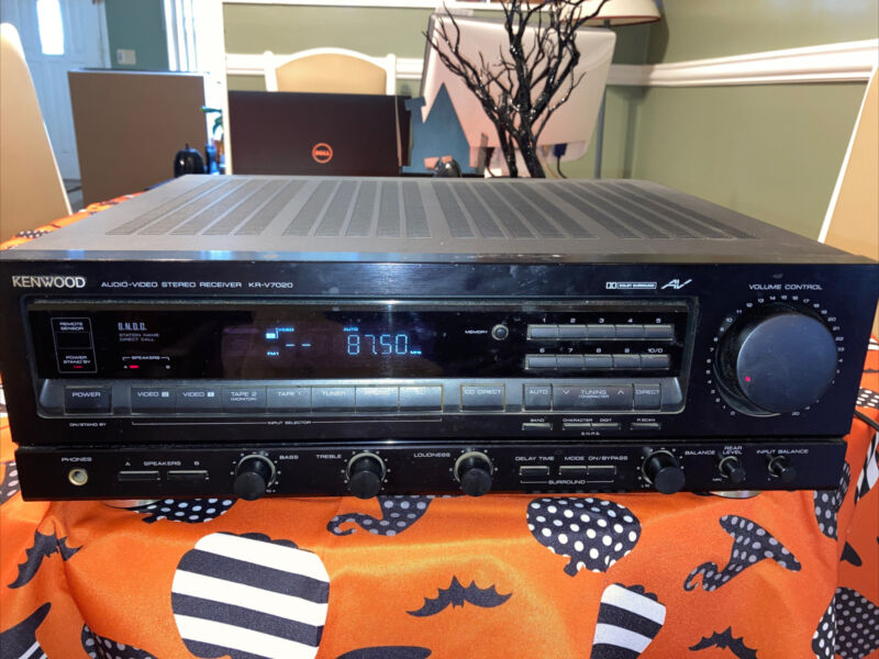 KENWOOD KR-V7020 AUDIO-VIDEO STEREO RECEIVER 4 CHANNEL DOLBY SURROUND