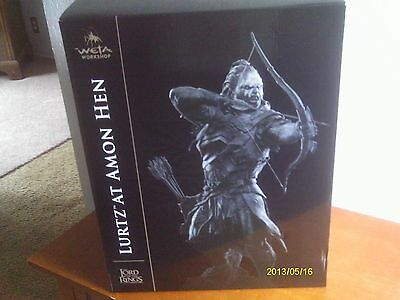 LORD OF THE RINGS LURTZ AT AMON HEN STATUE ! WETA COLLECTIBLES !