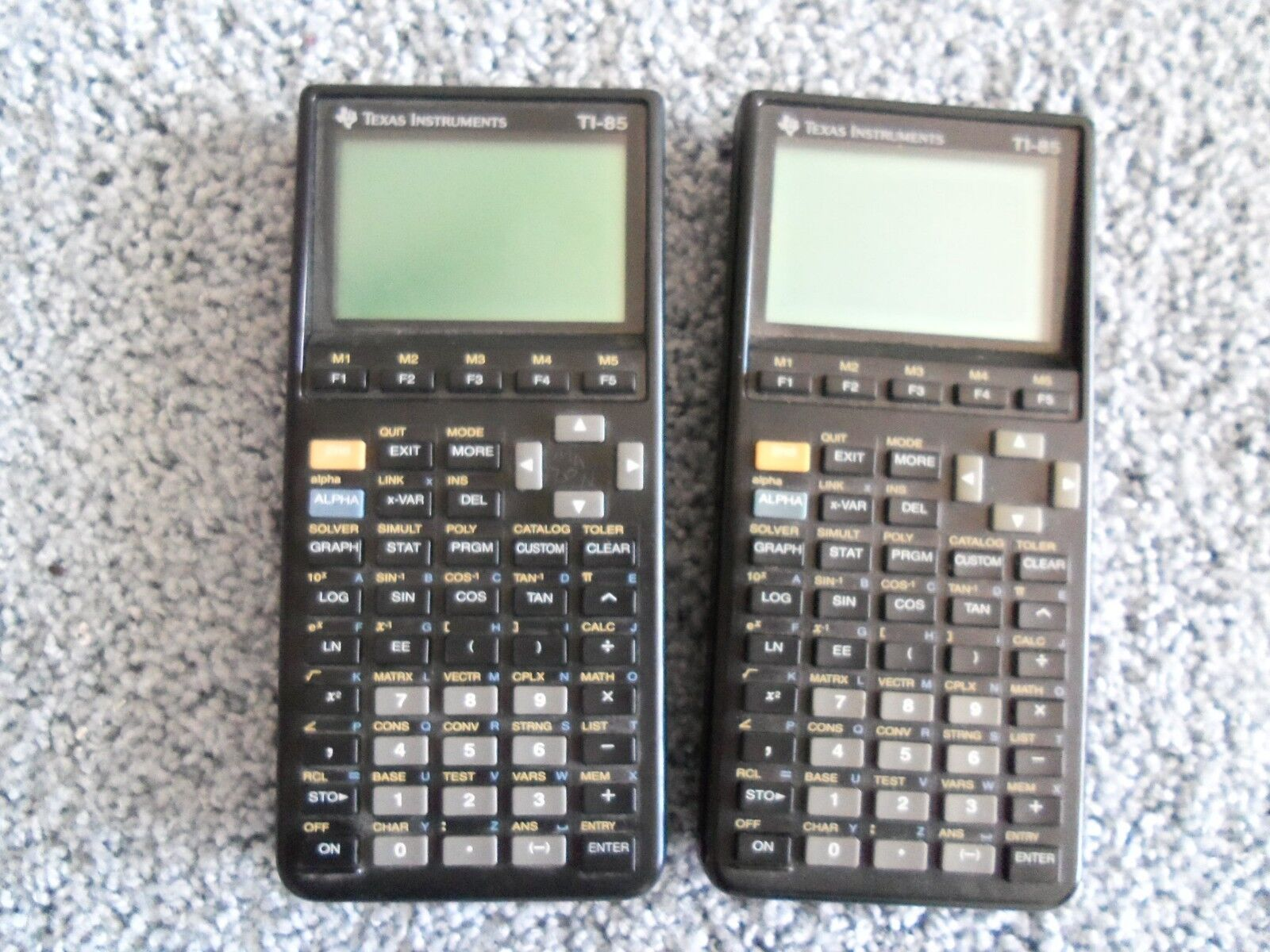 Lot 2 texas instrument ti-85 calculators