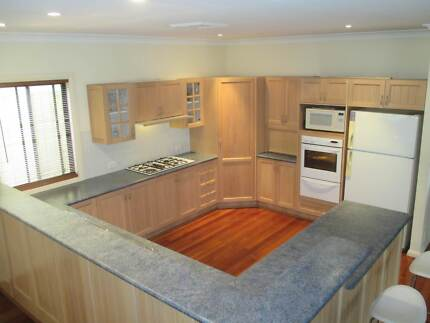 Solid American Oak Kitchen with appliances. Excellent Condition. Lambton Newcastle Area Preview