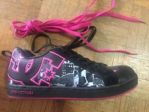 Ladies DC Shoes - Brand New Size 8L