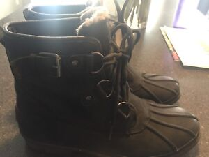 UGG CECILE BOOTS
